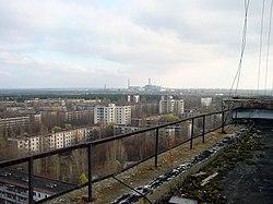 Vue de Tchernobyl depuis Pripyat montrant la proximité de la centrale