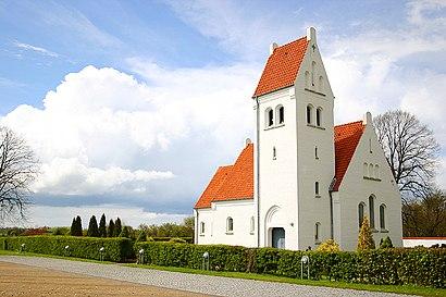 Sådan kommer du til Villingerød Kirke med offentlig transport – Om stedet