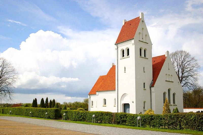 File:Villingerød kirke.jpg