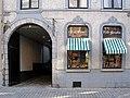 Vitrines d'une boutique - 71 rue de Nimy à Mons - fr.jpg