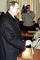 Vladimir Putin votes 2000-3.jpg