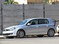 Volkswagen Golf 1.6 Highline 2010 (10862264743).jpg