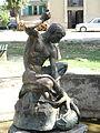 Vučje, Leskovac, Statua u parku, a02.JPG