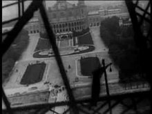 Fichier:Vue Lumière No 992 - Panorama pendant l'ascension de la Tour Eiffel (1898).ogv