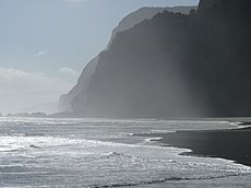 Waitakere Ranges, Karekare Beach (13).JPG