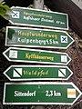 Wegweiser zwischen Kelbra und Kyffhaeuser (Kyffhaeuser-Denkmal 0,7 km).jpg