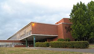 Woodrow Wilson High School (Portland, Oregon) - Image: Wilson High Front