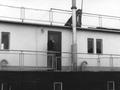 Wohnschiff Ali Baba der DDG-Hansa, Eingang von der Landseite - Bremen 1961.png