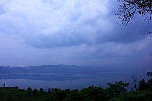Yangzong Lake - Image: Yangzong Lake 03