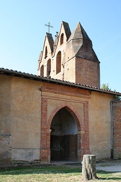 Église Saint-Pierre-et-Saint-Paul de Donneville - Portail d'entrée et clocher-mur, vus du nord-est