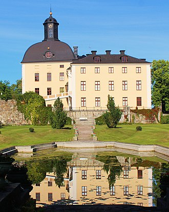 Örbyhus Castle - Side view of the castle, with the incorporated medieval keep to the left