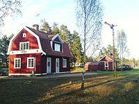 Österbymo station sett från sidan.JPG