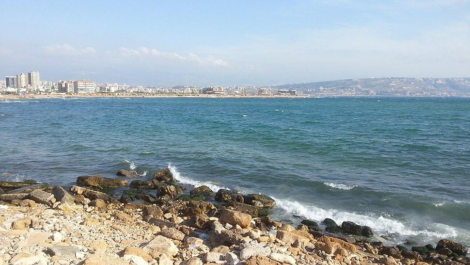 مشهد من ساحل طرابلس شمال لبنان