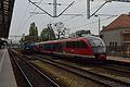 03.05.16 Wroclaw Główny ET22-914 and DB 642.033 (27032343065).jpg