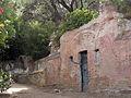 057 Parc de l'Oreneta, ruïnes vora el safareig.jpg