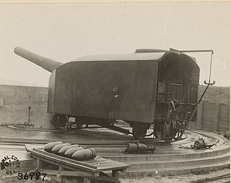 28 cm SK L/40 gun - A SK L/40 gun on a coastal defense mount in Belgium.