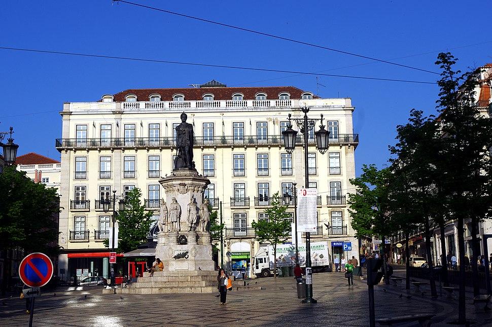 17.4.14 1 Lisbon 325 (13909208546)
