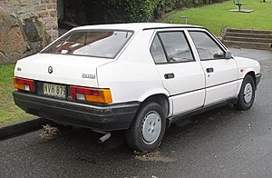 Alfa Romeo 33 - 33 1.5 Quadrifoglio Oro (1985, Australia)