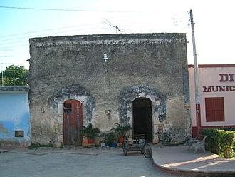 Maní, Yucatán - Image: 2002.12.30 31 House Maní Yucatan Mexico