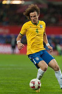 David Luiz nel 2014 durante un'amichevole contro l'Austria