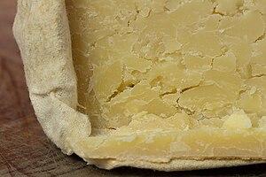 20150125 Tobermory, Isle of Mull Cheese - Der Schweizer - WikiLovesCheese Vienna 8919.jpg