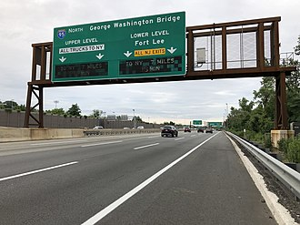 Ridgefield Park, New Jersey - View north along the New Jersey Turnpike (I-95) in Ridgefield Park
