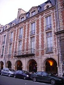 2bis place des Vosges.JPG