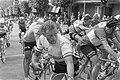 51ste Tour de France 1964 Finish in Lisieuz Henk Nijdam, Bestanddeelnr 916-5811.jpg