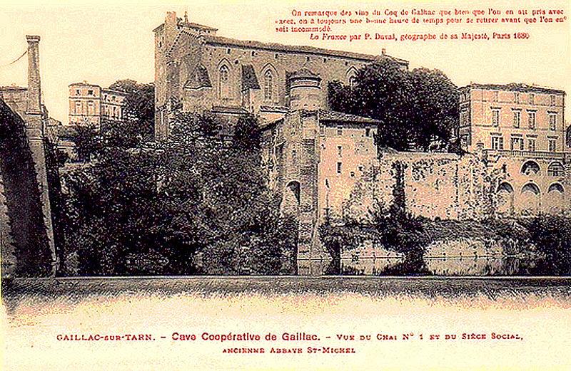 Fichier:Abbaye Saint-Michel de Gaillac Cave coopérative vue du chai n° 1 et siège social.jpg