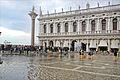 Acqua Alta sur la place Saint Marc à Venise (8091217120).jpg