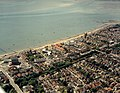 Aerial view of Southend seafront, Cliffs Pavilion westward - geograph.org.uk - 1707456.jpg