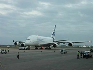 File:Airbus-A380-Pushback-001.ogv