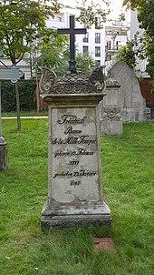 Grabmal auf dem Alten Garnisonfriedhof in Berlin-Mitte, September 2020 (Quelle: Wikimedia)