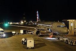 American N4005X Airbus A319 (40736437112)