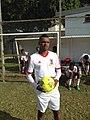 Andy Sophie avec le maillot de la sélection mauricienne.jpg