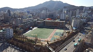 Anyang Elementary School, Photographed in the 20th Floor of an Anyang 1-dong Seongwon apartment.jpg