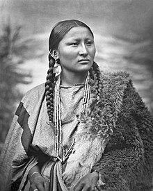 Arapaho woman Pretty Nose, 1879, restored.jpg