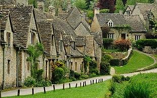 "Arlington Row: <a href=""http://search.lycos.com/web/?_z=0&q=%22Cotswold%20stone%22"">Cotswold stone</a> cottages"