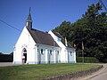 Attenrode-Wever -- Paul Kempeneers voor kapel van de Heinkensberg.jpg
