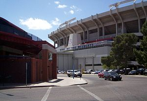 Arizona Stadium - Image: Azstadium 2 040409