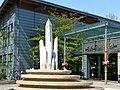 Bad Sassendorf – Salzkristall-Brunnen an der SoleTherme - von Bildhauer Leo Janischowsky - panoramio.jpg
