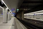Bahnhof Flughafen Wien Schwechat Bahnsteig 002.jpg