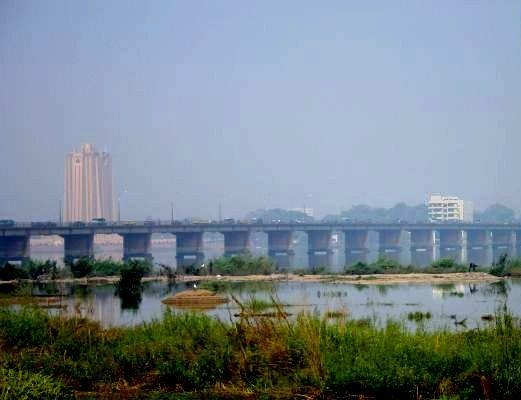 Bamako bridge crop enh
