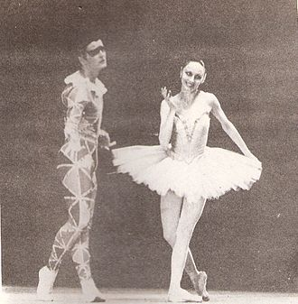 Mikhail Baryshnikov - Baryshnikov and Patricia McBride at an event in Buenos Aires, 1979.