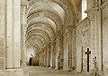 Basilique Sainte-Marie-Madeleine de Vézelay PM 46680.jpg