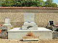 Bellechaume-FR-89-sépulture Ramon-01.jpg