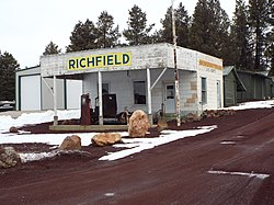 The Richfield Service Station