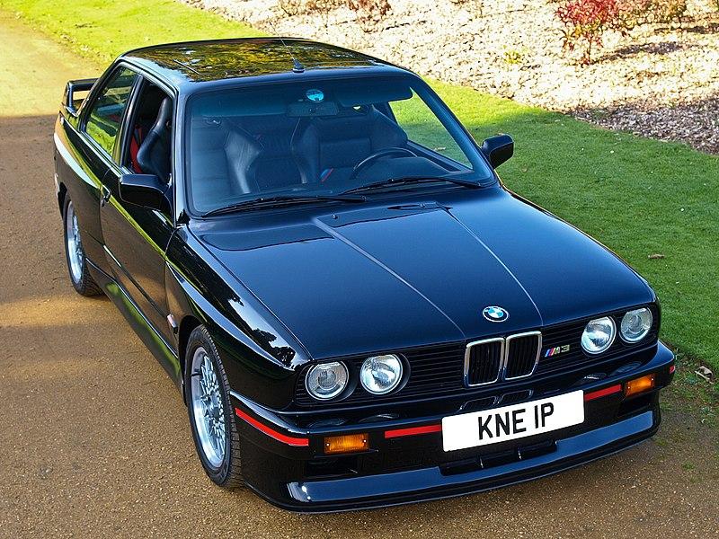 [Imagen: 800px-Black_BMW_M3_E30_fr.jpg]