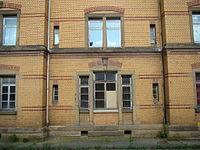 Boeckingen-bahngebäude-2015-003.JPG