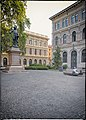 Bologna Spettacolo - Piazza Minghetti.jpg